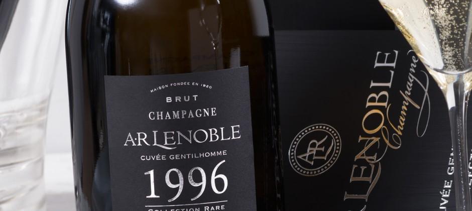 La Revue du Vin de France – Numéro Spécial CHAMPAGNE – des notes superbes pour AR Lenoble ! – décembre 2017/janvier 2018