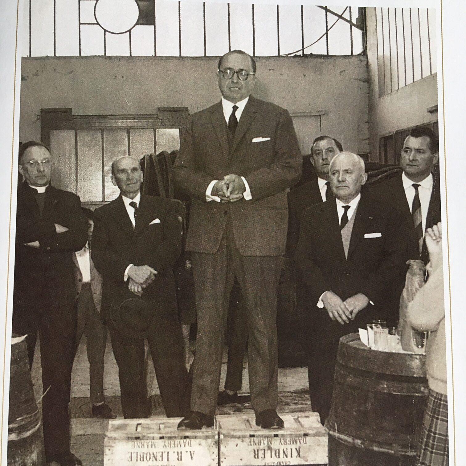 Armand-Raphaël, the pioneer, was succeeded by his son, Joseph, the happy-go-lucky chap who liked to spend money, in 1947. Armand-Raphaël, le pionnier, a été remplacé par son fils, Joseph, le type joyeux qui aimait dépenser de l'argent, en 1947.
