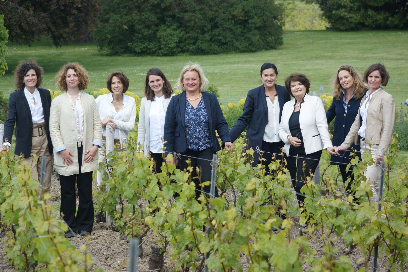 Wonderful article in the magazine «3 étoiles» on La Transmission-Femmes en Champagne Superbe article dans le magazine « 3 étoiles » sur La Transmission-Femmes en Champagne
